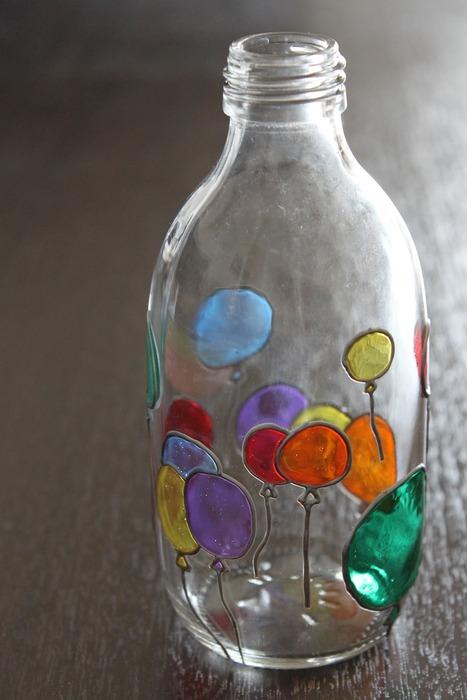 tip:在挑选颜料时需要注意的是玻璃专用颜料有水性和溶剂型,在混色图片