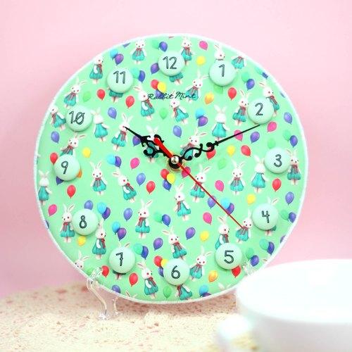 手工制作兔子钟表