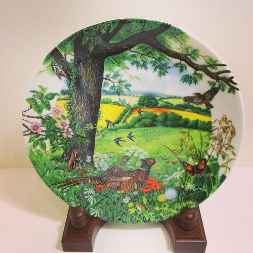 经典动物画限量版骨瓷装饰盘
