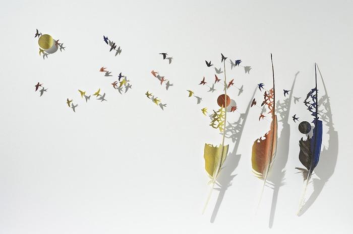 羽毛的詩意:美國藝術家細緻的雕塑作品
