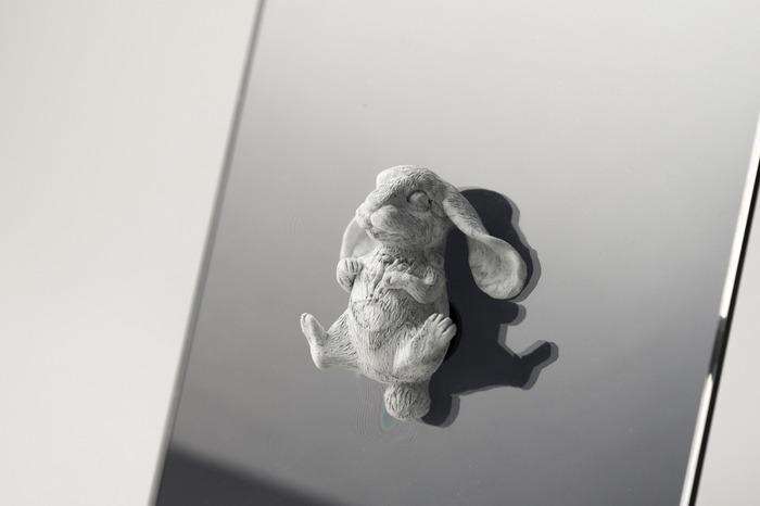 台灣家飾匠子設計的大理石兔子壁掛
