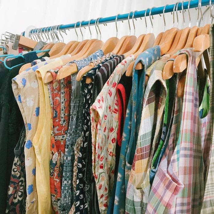 二手 襯衫 穿搭 復古服飾店 吊帶裙 古著洋裝 古著 台北古著推薦 古著推薦