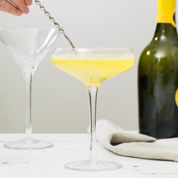 居家調酒DIY可以先測試好水果的酸度在加入烈酒