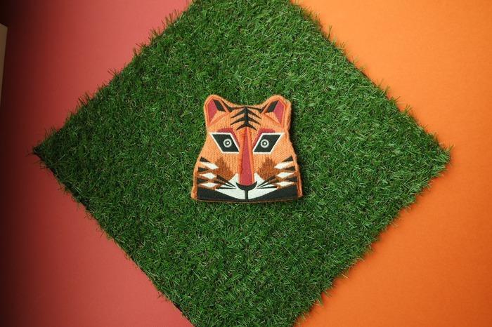 香港環保包包品牌 zoo by shu 的老虎刺繡包