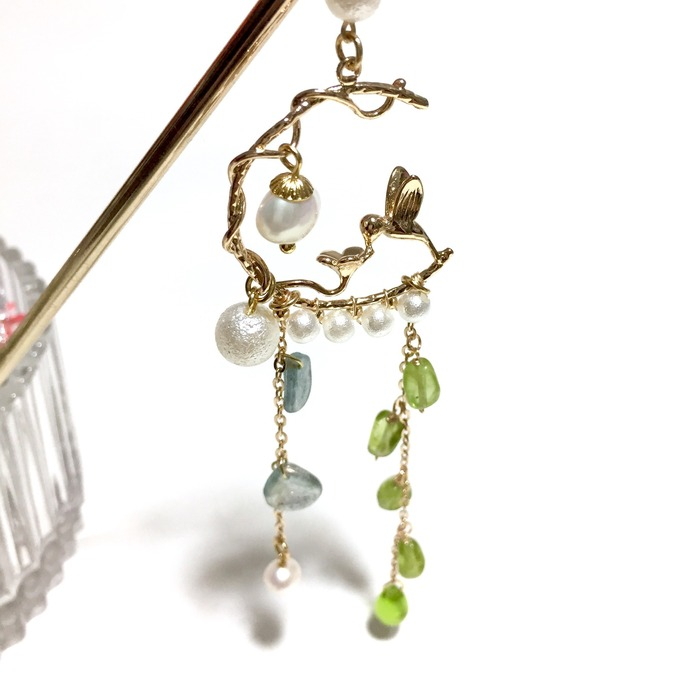 2018 horoscope and birthstones gifts for Leo: peridot hairpin